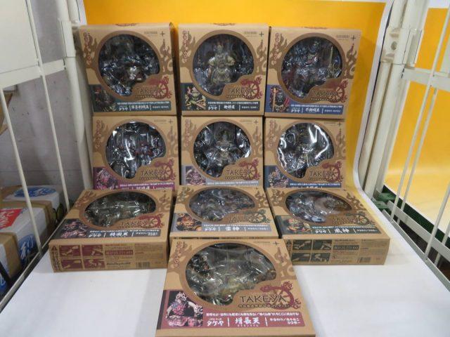 「竹谷隆之可動仏像コレクション」やアニメDVDを多数お譲り頂きました。